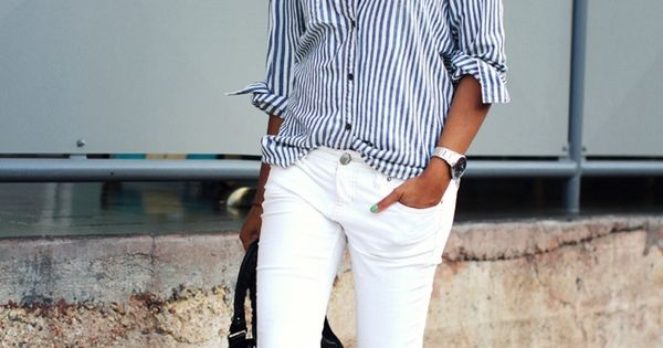 White skinny jeans with stripes shirt. Learn how to look skinny in