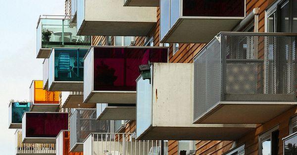 Wozoco osdorp building dil, apartman daireleri ve balkonlar.