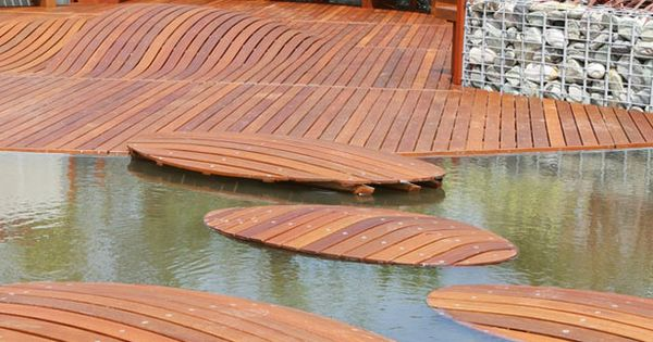 curved wood deck aros: 15 Great Deck Designs For Your Space