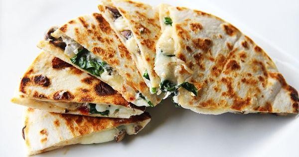 Spinach, Sundried tomato, mushroom & goat cheese Quesadilla