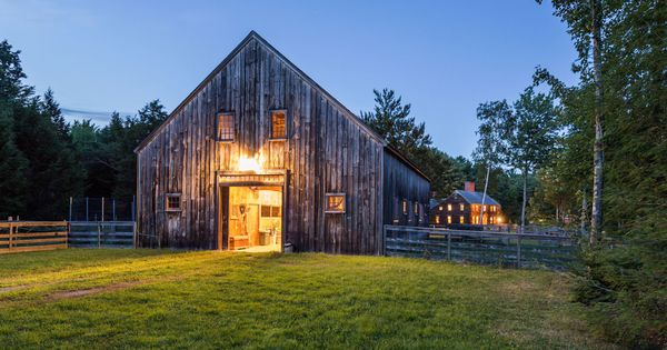 This New England Farmhouse Looks Like Something Out Of A