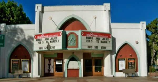 High Street Theatre In Old Town Moorpark Theatre By