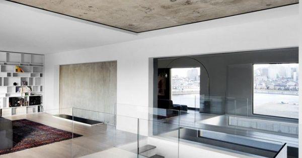 Raumgestaltung mit betondecke und minimalistisches for Haus innendesign