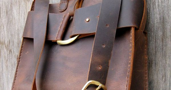 Mustang Messenger Oiled Cowhide Leather Bag