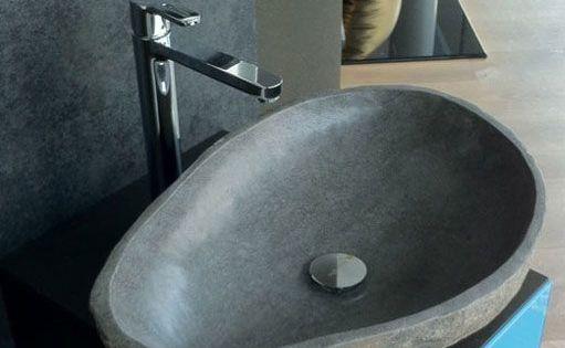 Pin Von Maria Elena Auf Moda In 2020 Flussstein Waschbecken Waschbecken Beton Badewanne