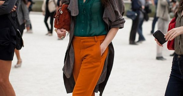 streetstyle - orange pants & dark green shirt