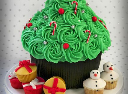Giant Cupcake Christmas Tree Cake