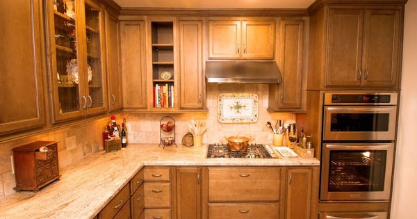 Starmark oregano with chocolate glaze golden ivory for Chocolate kitchen cabinets with stainless steel appliances