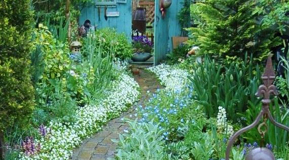 A Whole Bunch Of Beautiful Enchanting GardenPaths - Style Estate