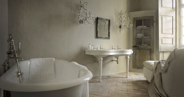 NEUTRAL HEAVEN - Interior Design and Mood Creation: French style Chateau Style