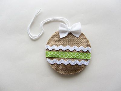 Burlap Christmas ornament – DIY tutorial | La Creature and you