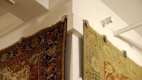 5 Ways To Hang An Oriental Rug On The Wall Rug Wall Hanging Soft Bathroom Rugs Rugs