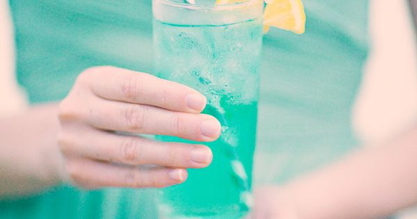 Cocktails in the perfect color! Photography by threenailsphotogr...