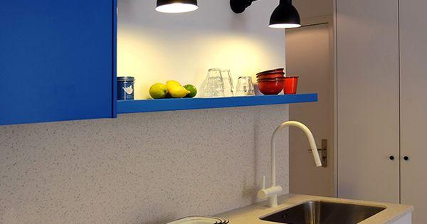 Cuisine kitchen bleu lectrique electric blue lampe for Cuisine bleu electrique
