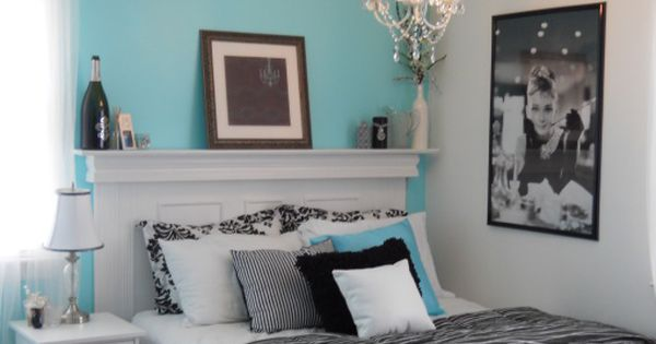 Breakfast at Tiffany blue guest room!