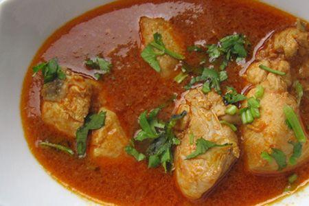 Murghi Ka Saalan Chicken Curry Pakistani Style Chicken Shorba Recipe Indian Cuisine Recipes Indian Chicken Recipes