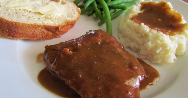 CROCKPOT CUBE STEAK Cube Steak & Gravy: Ingredients: 1 ½-2 pounds Cube