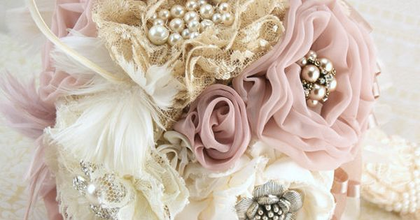 Brooch Bouquet Vintage-Style in Ivory, Champagne, Blush and Dusty Rose with Feathers,
