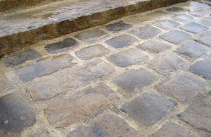 Paves Anciens Pave De Rue Granit Et Gres En Stock Achat Vente En Gros Paves Exterieur Terrasse Pave Amenagement Paysager Devant Maison