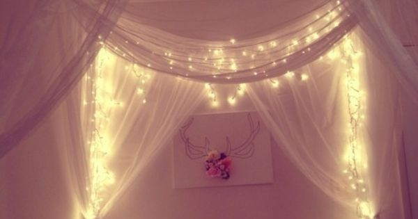 This Bedroom Is So Inviting And Cosy Cute Fairy Lights