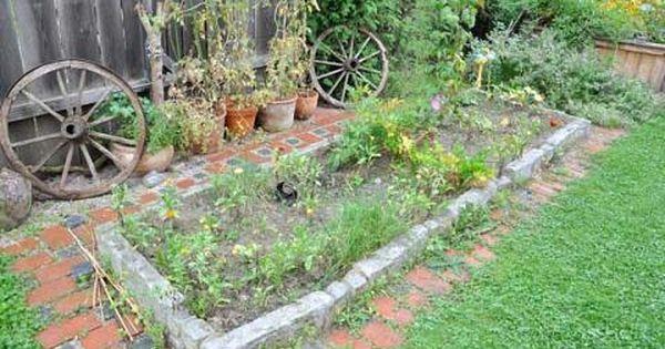 Fur Ein Etwas Grosseres Gemusebeet Wollte Ich Nicht Gleich Ein Hochbeet Bauen Wie In Diesem Artikel Beschrieben S Gartengestaltung Ideen Beeteinfassung Garten