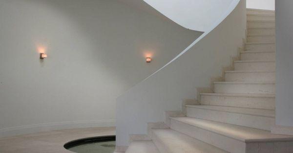 Casa moderna y de lujo okto villa escalera casas - Escaleras de casas de lujo ...