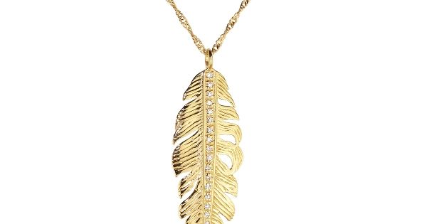 Single gold leaf necklace