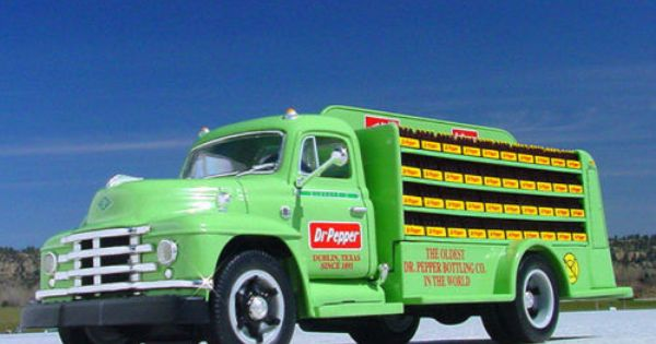Super Rare Dr Pepper Dublin Texas 1955 Diamond T Bottler Truck First Gear Ebay Dr Pepper Stuffed Peppers Pepsi Cola