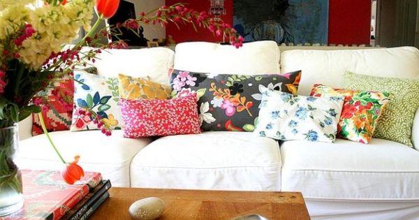 Kleur rijke kussens om een simpele witte bank op te fleuren decoracion pinterest bricolaje - Bricolaje y decoracion ...