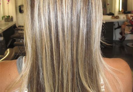 Sandy Blonde Beachy Blonde White Hair White Highlights Wavy Hair