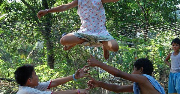 Larong Pinoy Series #02: Luksong Tinik | childhood ...