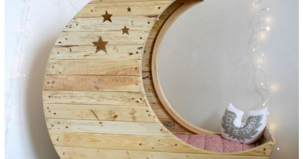 reading nooks - my little girl would love to be inside the