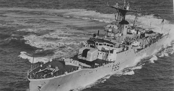 Hms Tenby Type 12 Whitby Class Frigate Royal Navy Ships Navy Day Royal Navy