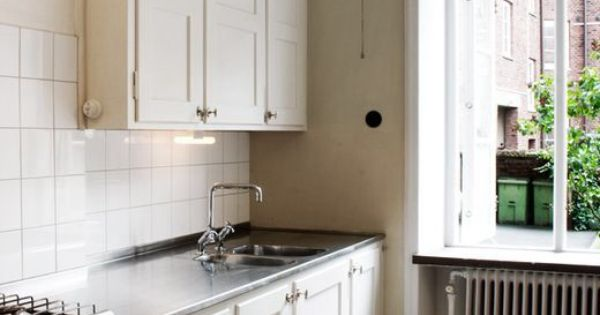 Överskåp, kök, funkis, rutigt golv, rostfri diskbänk, | KITCHEN ...