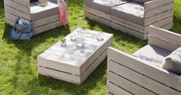 Love this pallet furniture! palletfurniture coolstuff homechanneltv.com