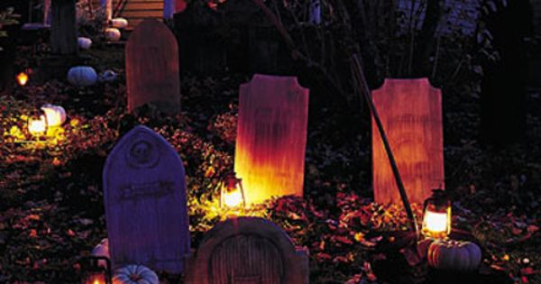 10 Creepy Outdoor Halloween Decorating Ideas | Shelterness | See more about Outdoor Halloween, Halloween Decorating Ideas and Halloween.