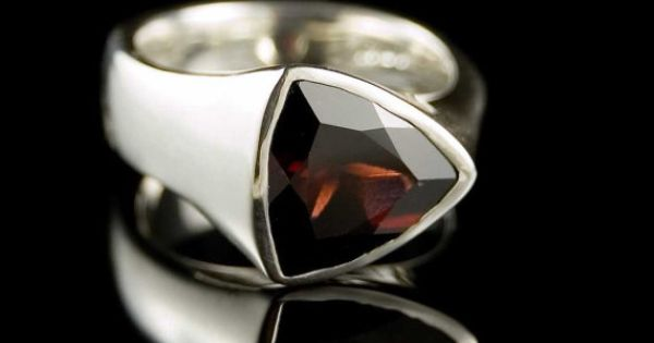 Tetra Sterling Silver Ring with Garnet, size 6 Trillion Faceted ...