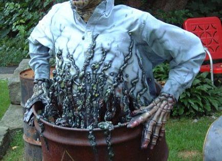 Halloween lawn decoration