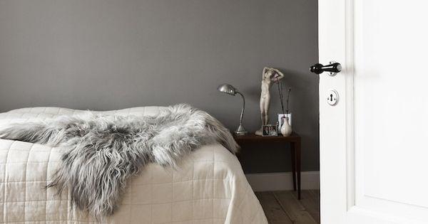 Grey Walls, Interior