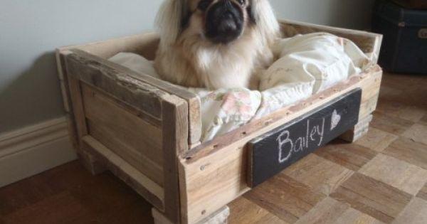 cr er un panier pour chien avec une palette en bois diy pinterest bricolage palettes et. Black Bedroom Furniture Sets. Home Design Ideas