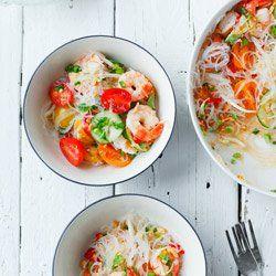 Tajska Salatka Z Krewetkami Makaronem Ryzowym I Pomidorkami Koktajlowymi Vegetable Recipes Food Recipes