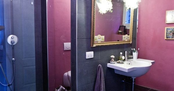 Purple Bathroom Ideas: Purple Bathroom Design With Unique Hanging Lamp