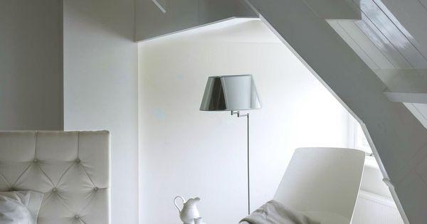 Zacht grijze kleuren geven je slaapkamer een tijdloze uitstraling. Kleurgebruik: Gentle Grey
