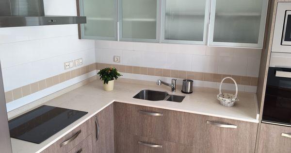 Cocina de muebles laminados y encimera dekton fabricaci n - Laminados para cocina ...