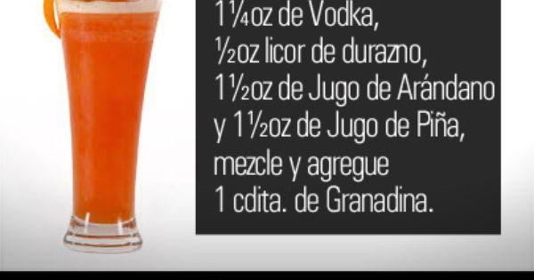 Un Refrescante Cóctel Jugo De Arandanos Cocteles Vodka