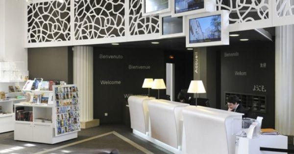 le comptoir d 39 accueil et l 39 espace boutique philippe gisselbrecht office de tourisme de metz. Black Bedroom Furniture Sets. Home Design Ideas