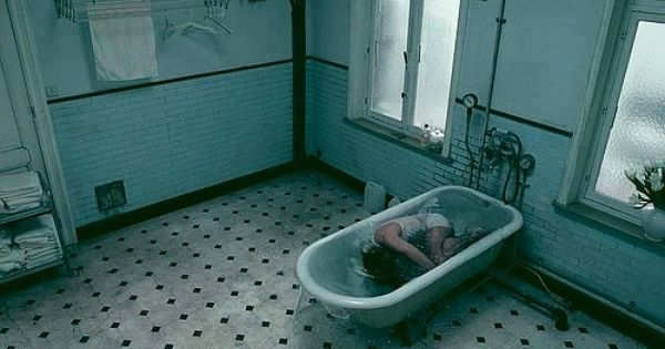 bathtub,tub,bath,bathroom,drown, | Relatable | Pinterest ...