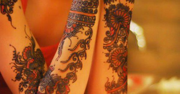 indian style female tattoo