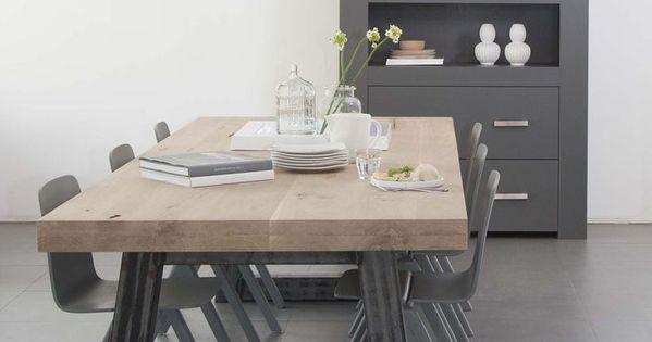 Houten tafel stalen onderstel home pinterest eettafel eetkamer en interieur - Eettafel en houten eetkamer ...