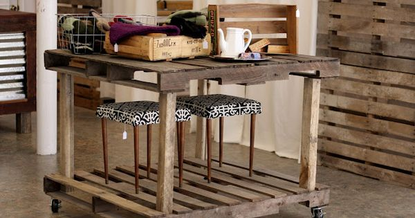 I love this use of pallets smaller painted version would for Make a kitchen island out of pallets